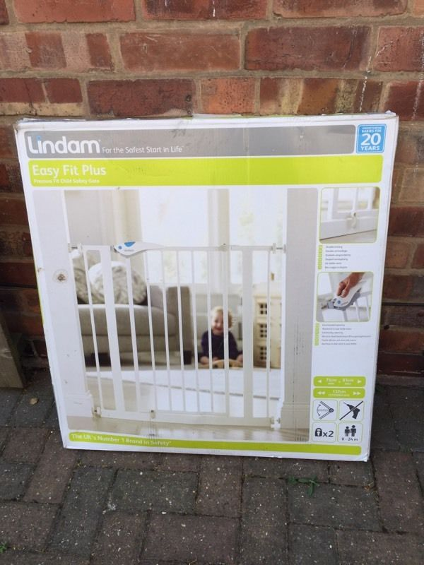 Lindam Easy Fit Plus stair gate 75-81cm