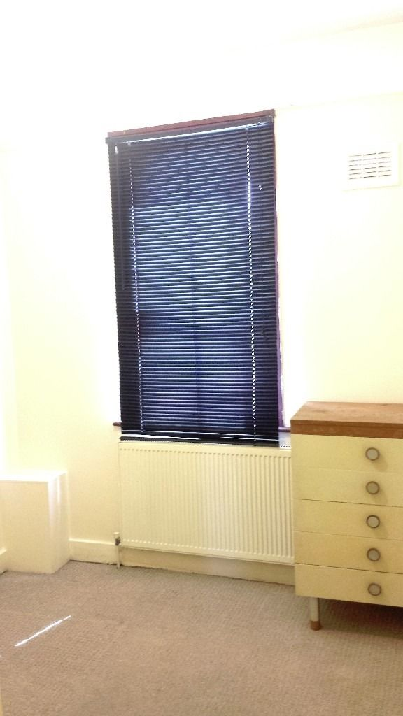 ROOM - 6 Min Walk from LEYTON STATION (CENTRAL LINE)