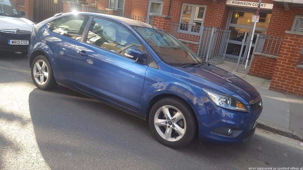 Ford Focus 3dr for sale Only 45 k LOW MILEAGE! 1.6 Automatic (Price Dropped for quick sale)