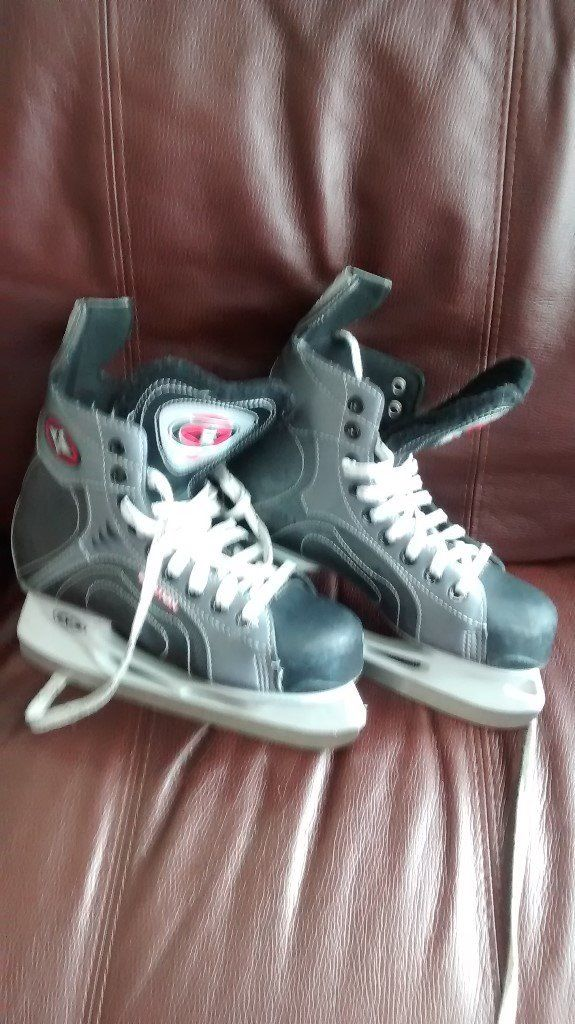 Synenery 50 Ice Hockey Skates size 5