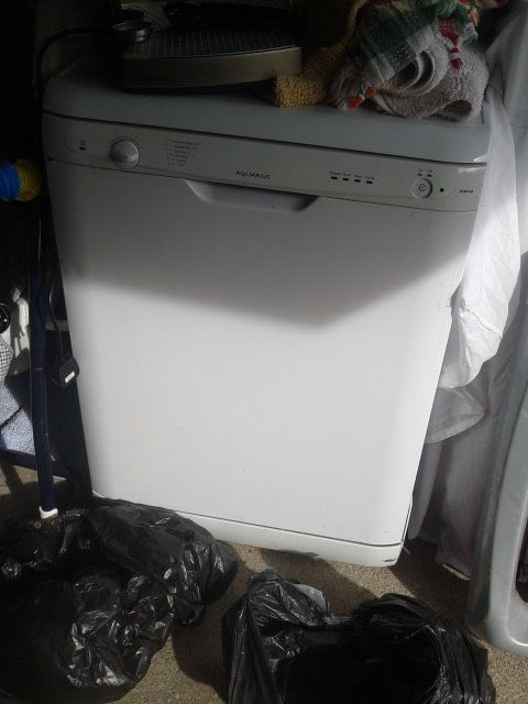 hotpoint aqurius diswasher in good working condition