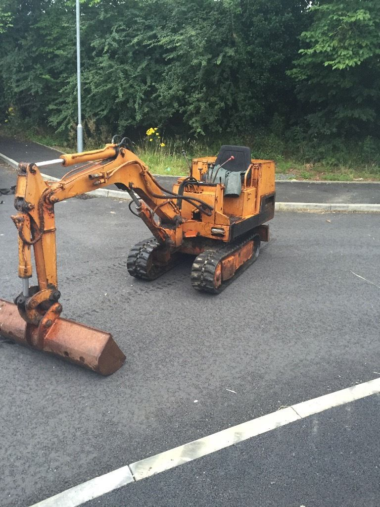 Digger tractor