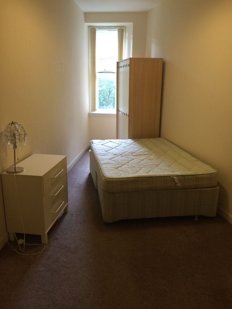 Watson Crescent double room available