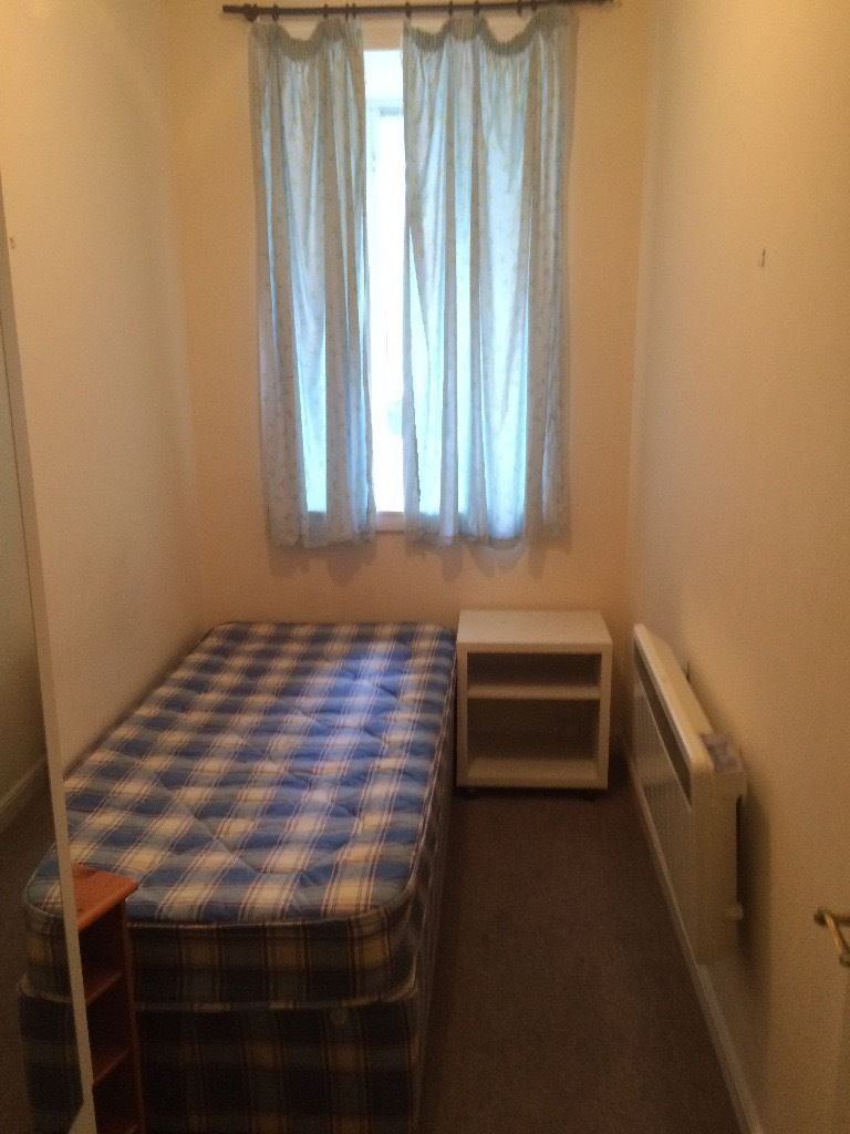 single room available in fountainbrige area