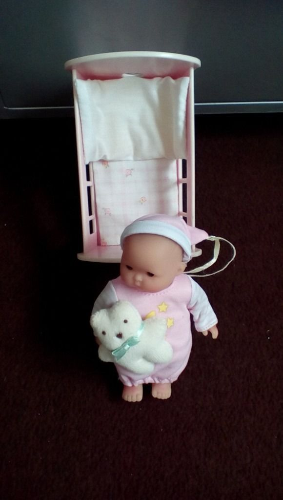 Kids toys 2 little baby's and a Fluffling