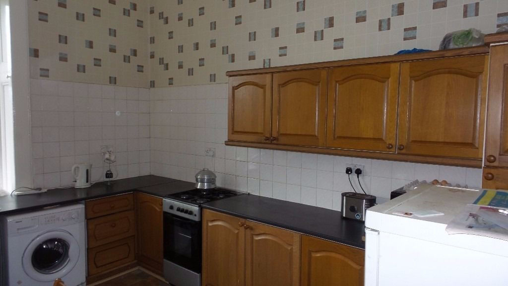 Double room to let for females only!!