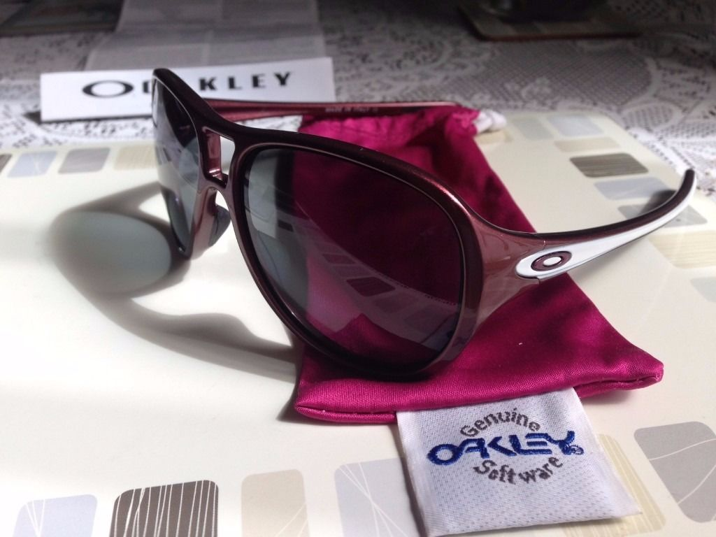 Oakley Polarised Twentysix.2 Burgandy/Grey Sunglasses