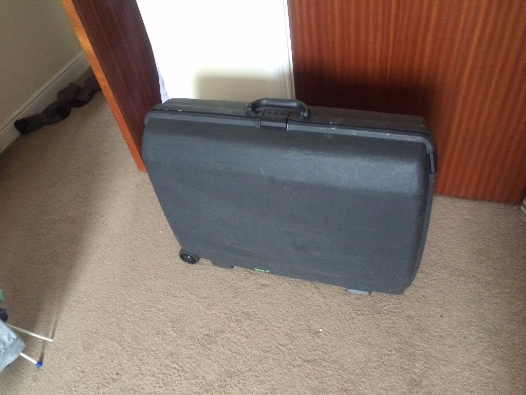 SAMSONITE Hard Shell Suitcase