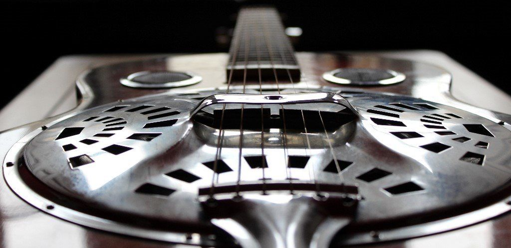 Rhythm guitarist who plays a little lead required for original band