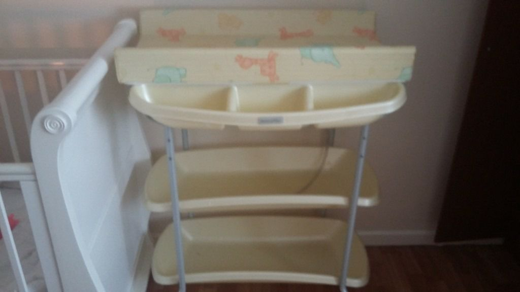 mamas and papas baby changing bath station