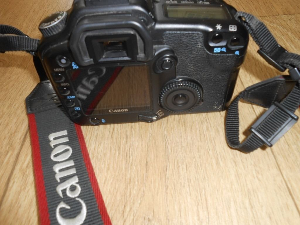 Canon E0S 30D Camera With 2 Canon Lenses 28-200 and 75-300 Excellent Condition