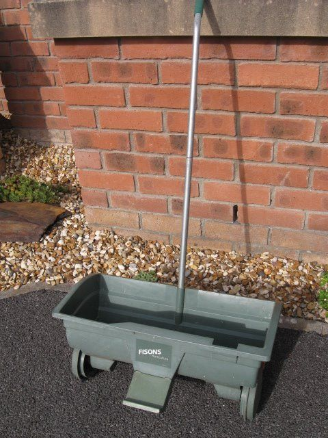 Plastic Garden Wheeled Lawn Seed / Fertiliser Spreader