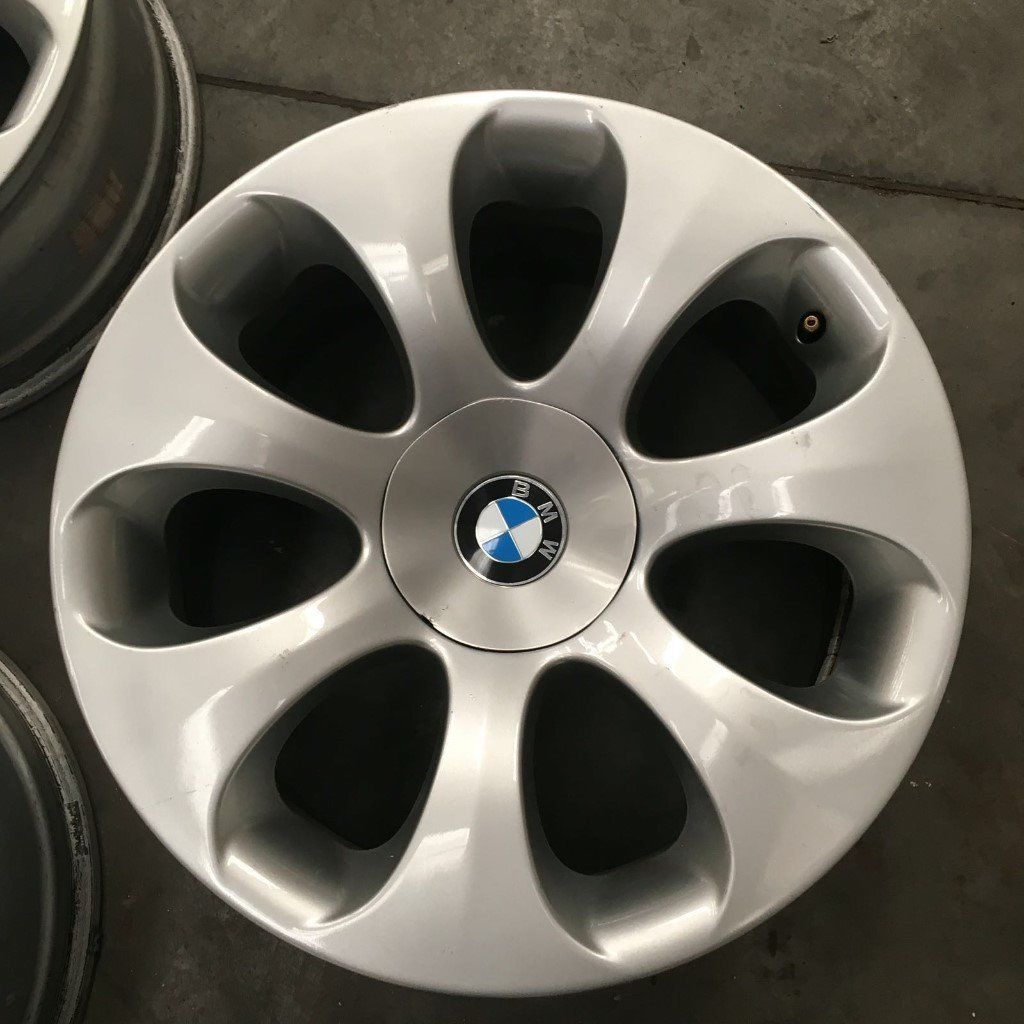 B M W 5/6 SERIES 19 INCH ALLOYS IN EXCELLENT CONDITION