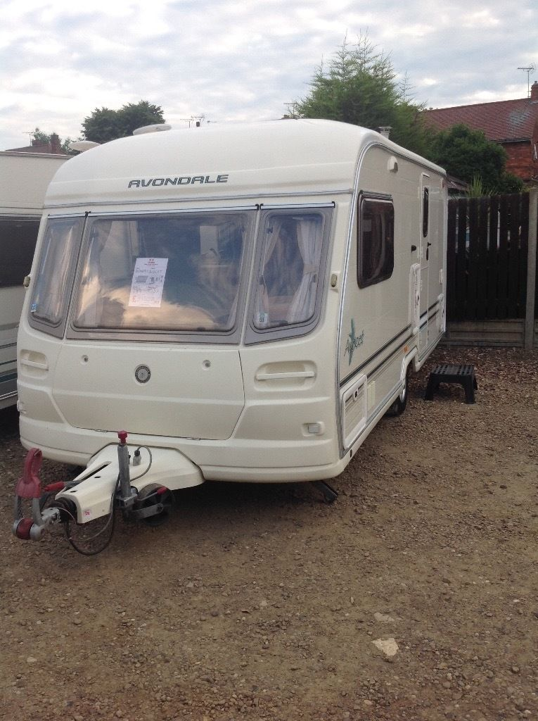 Avondale avocet 2004 2 berth with motor mover and full awing leisure battery