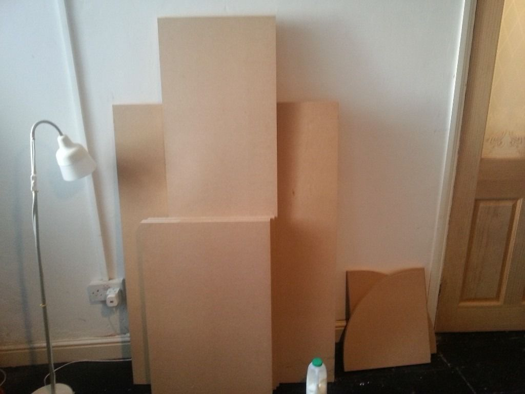 18mm MDF board various sizes. Number of biards some shaped as corner shelves, excellent condition