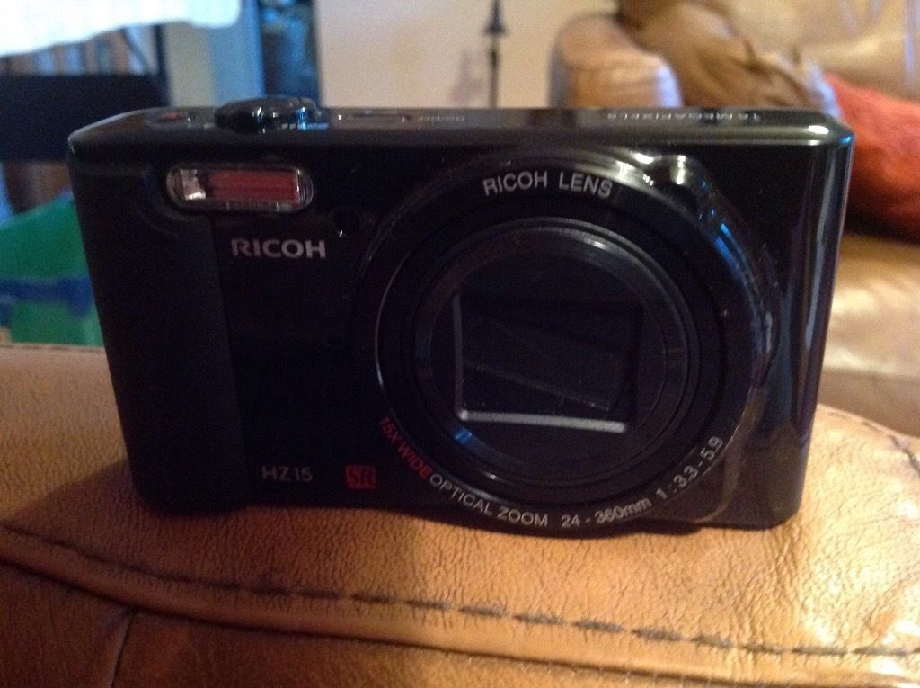 Ricoh HZ15 camera. Screen broken so for spare parts only.