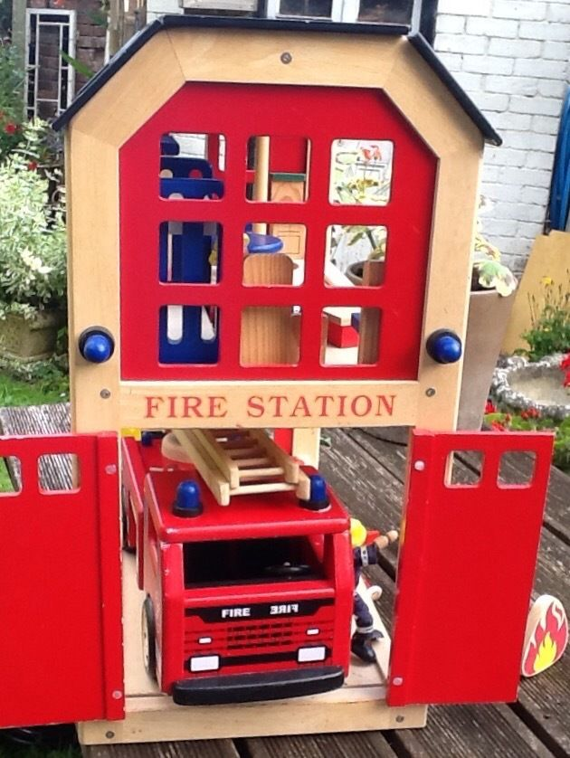 WOODEN FIRE STATION, FIRE ENGINE AND ACCESSORIES, SOLID PLAY SET