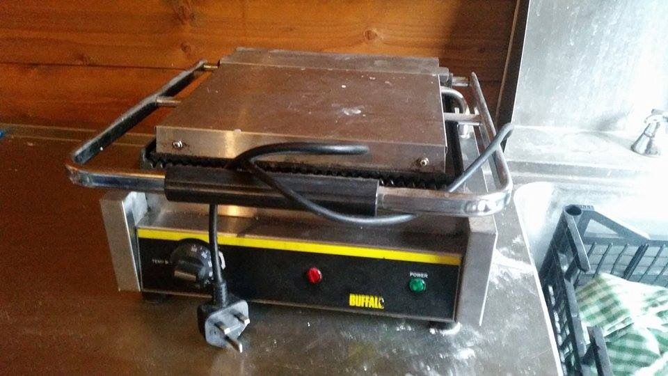 Buffalo commercial contact grill/panini press