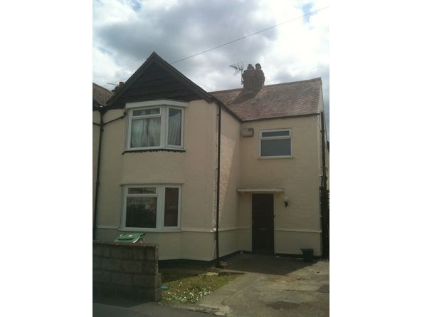 Double room to let in coverley road Headington and Coverley road