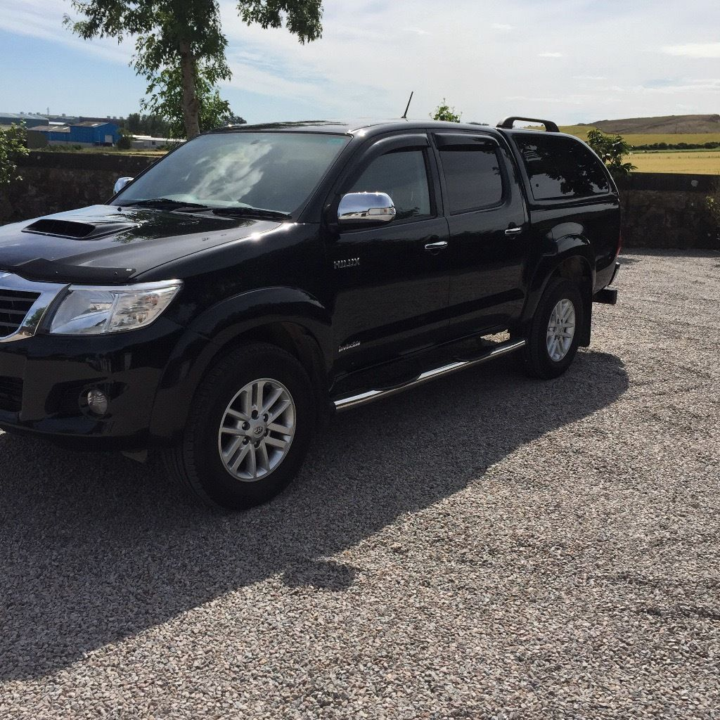 Toyota Hilux invincible 3.0 auto , no vat