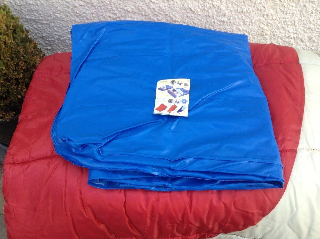 Camping sleeping bags with fitted Lilos