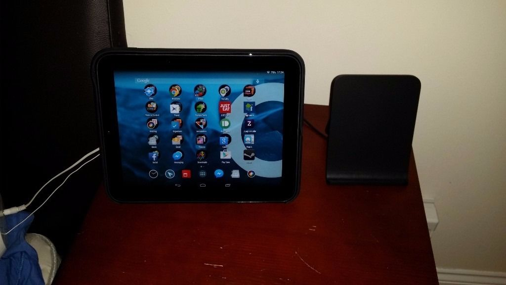 HP TouchPad 9.7 inch Android Tablet + Official case + Wireless charger stand