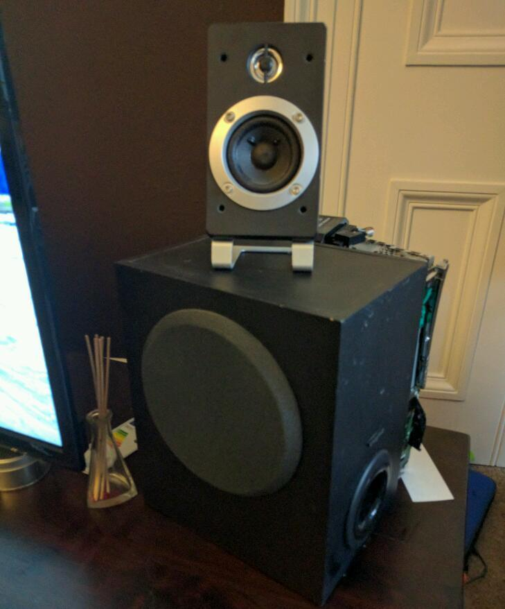Creative speaker system, 2 speakers with sub