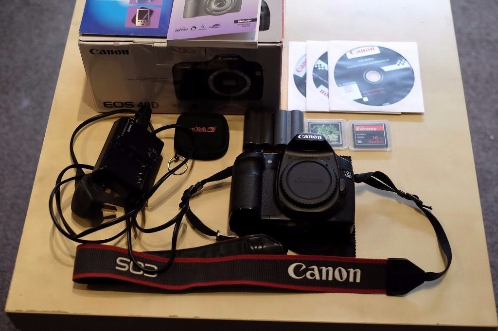 Canon EOS 40D Digital SLR Camera - Boxed (Body only) + 2 CF cards+ batteries+charger