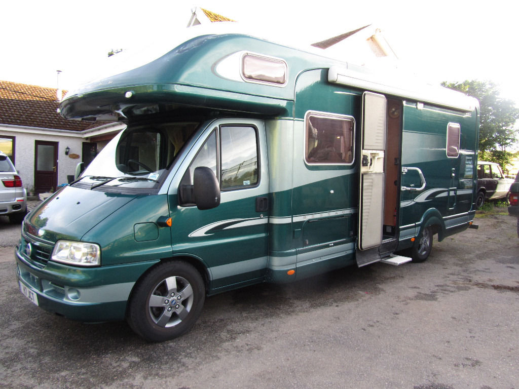 2004 Bessacarr E765 6 Berth Fixed Double Bed, One off Paint Job, Low Miles