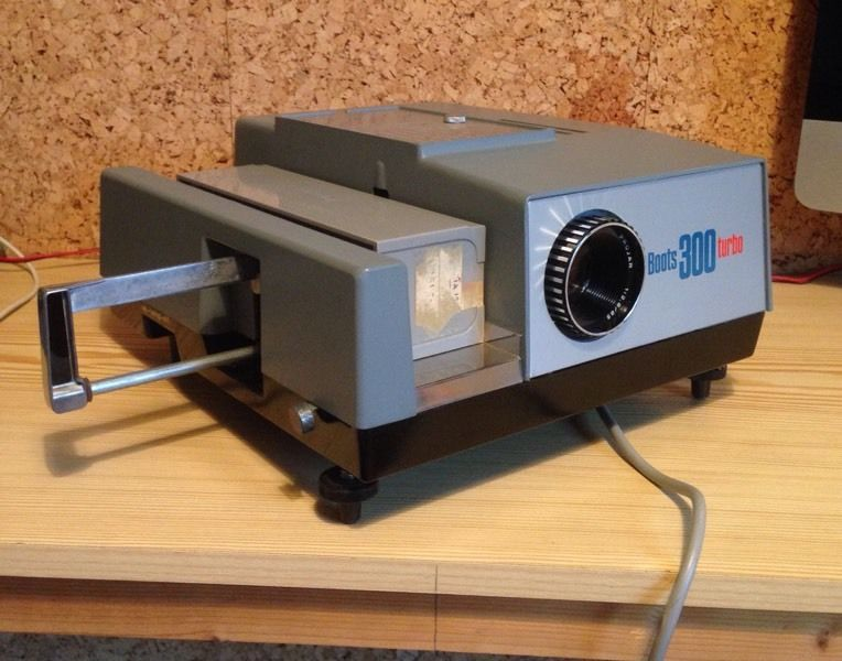 Boots 300 turbo 35mm slide boxed Projector