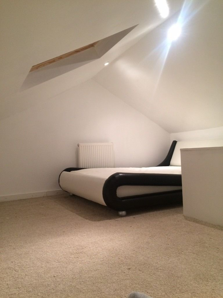 Nice Cosy Attic room in nice houseshare only 275 all bills included ! Rusholme close city /oxford rd