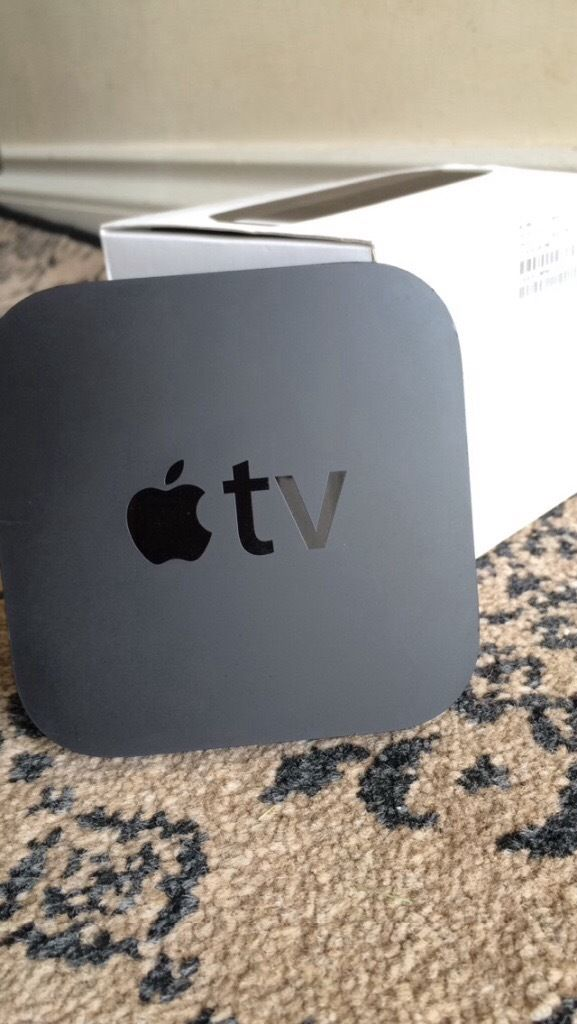 Apple TV 3rd generation Netflix iTunes YouTube Wifi Ethernet Full HD AirPlay