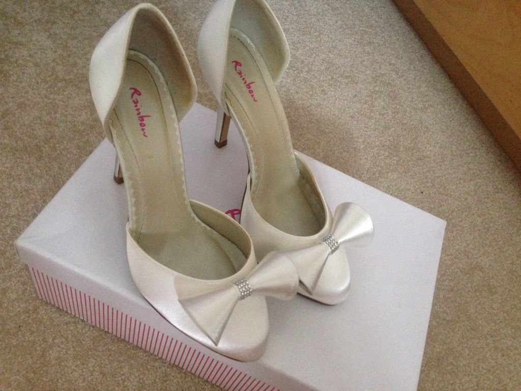 Ivory bridal shoes size 4.5. Worn once, vgc.