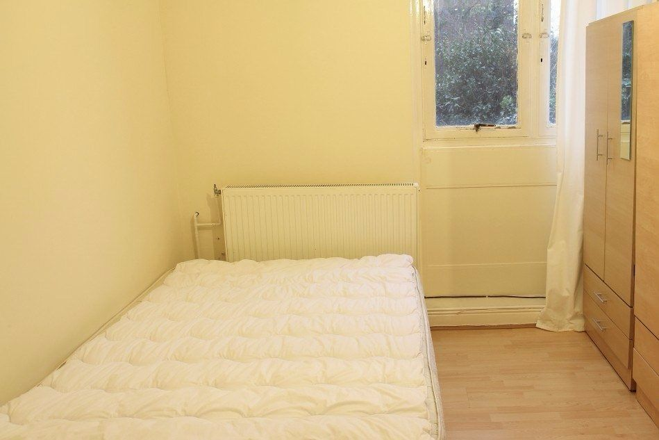 Double Bed in Room with Double Bed in City of Westminster Borough, All Bills Included