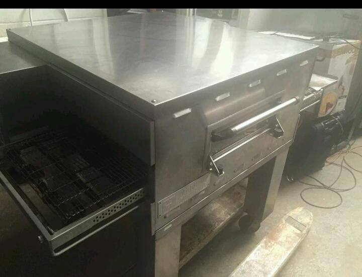 MIDDLEBY MARSHALL PS536 GAS PIZZA CONVEYOR OVEN