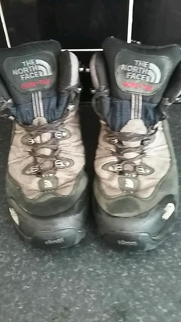 North face mens boots size 8