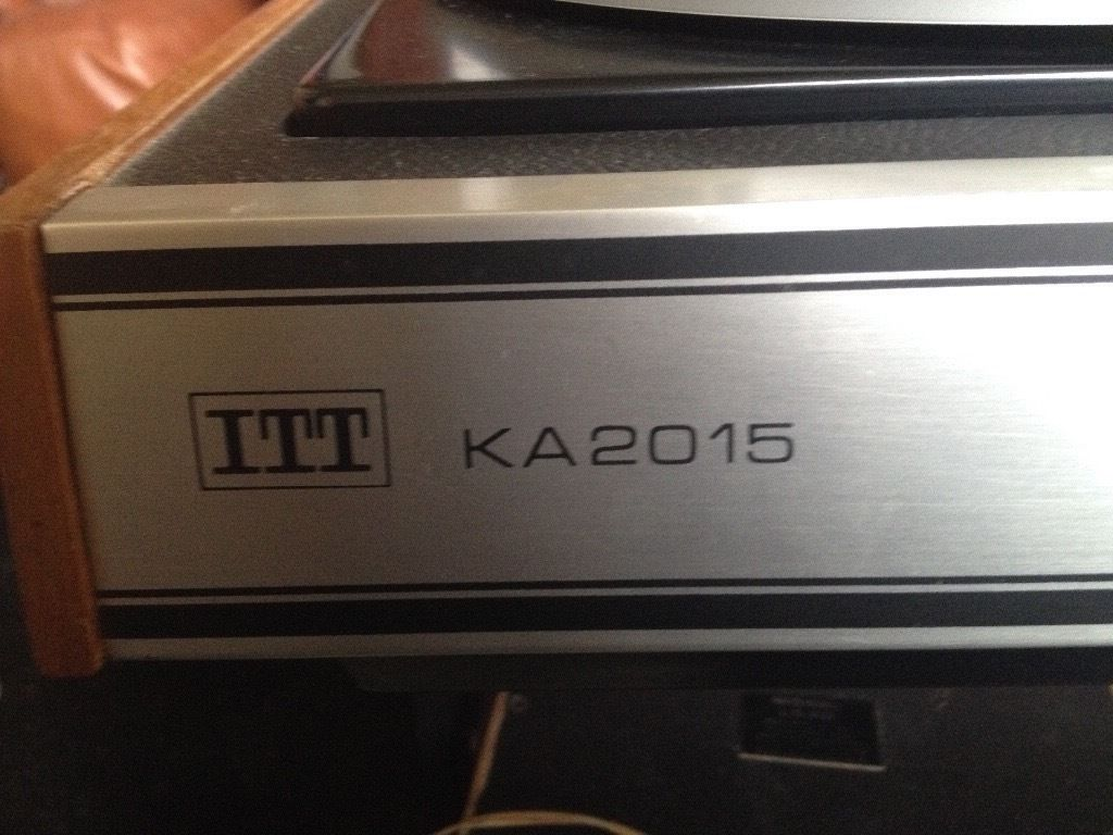 Vintage ITT KA2015 record player tuner unit with speakers