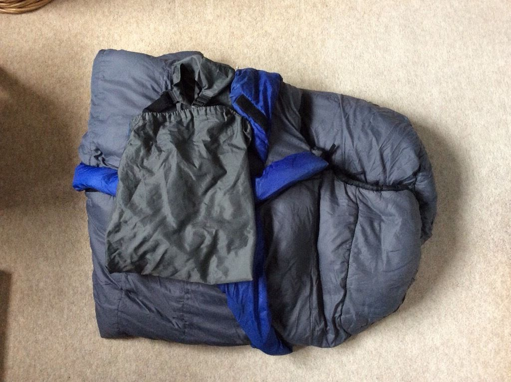 Mountain Hardwear polar guard 3D sleeping bag with stuff sack