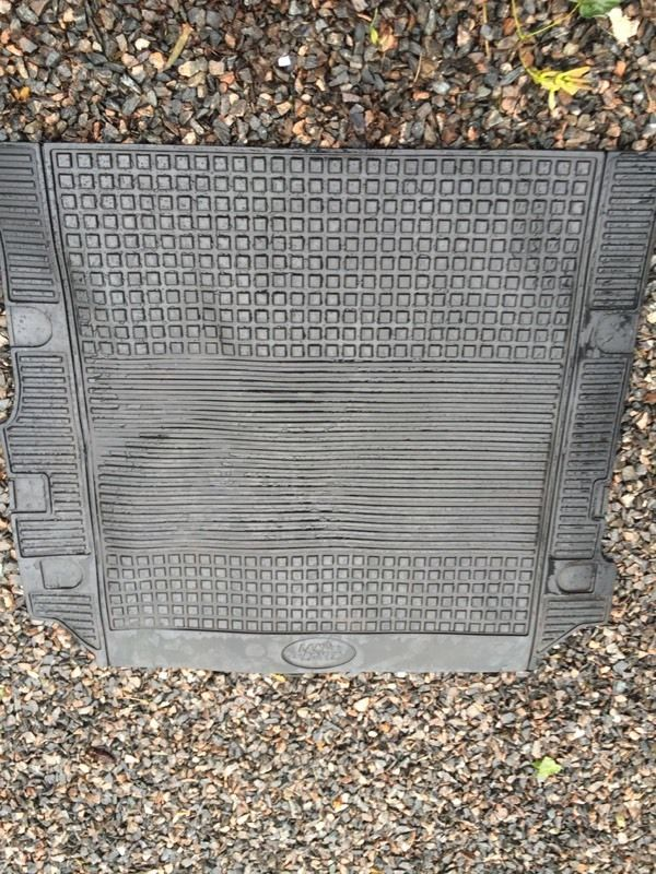 Discovery 3 boot liner