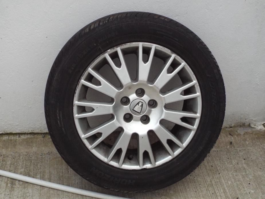 "Rover 75 MGZR 17"" alloy wheel and tyre"