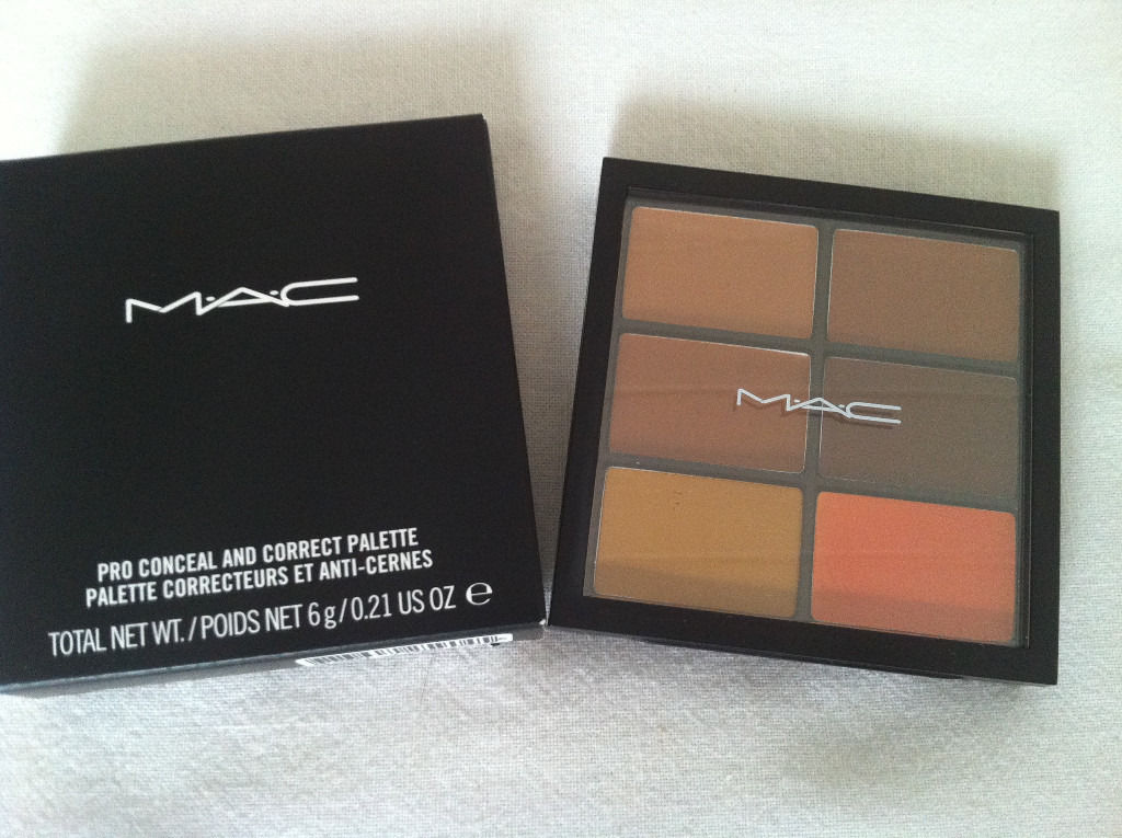 MAC Cosmetics Pro Conceal and Correct Palette/Dark