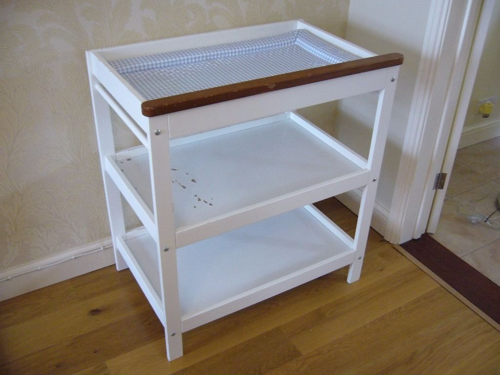 Baby changing unit bed station wood and plastic with changing mat / Used