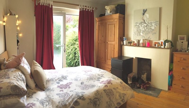 Room in friendly house share