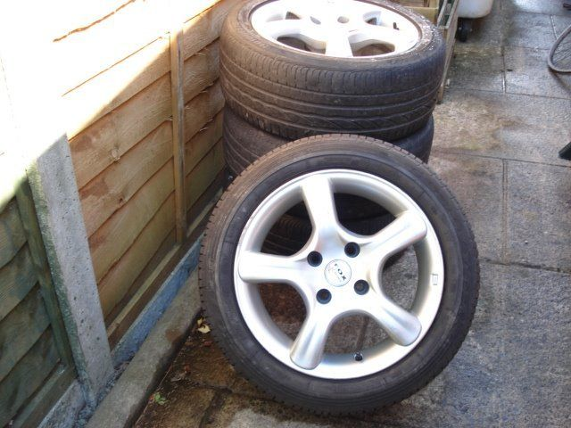 Fox Alloy Wheels x 4 With Tyres