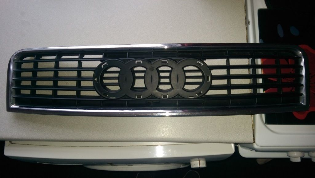 genuine Audi a4 b6 front grill