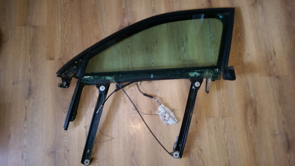 audi a4 b6/b7 passenger side window with frame