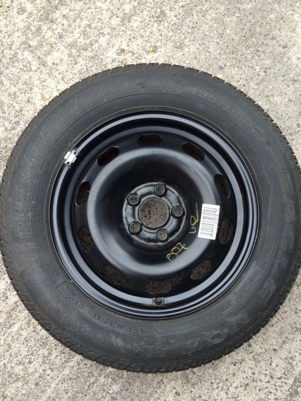 Tyre/ spare wheel. Goodyear 195/65R15 91V