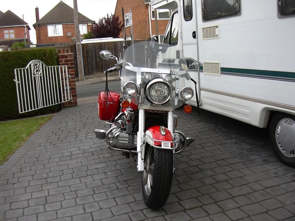 HONDA VALKYRIE 1997 Very low mileage.Serviced, New Cam Belts, MOT.Excellent condition.