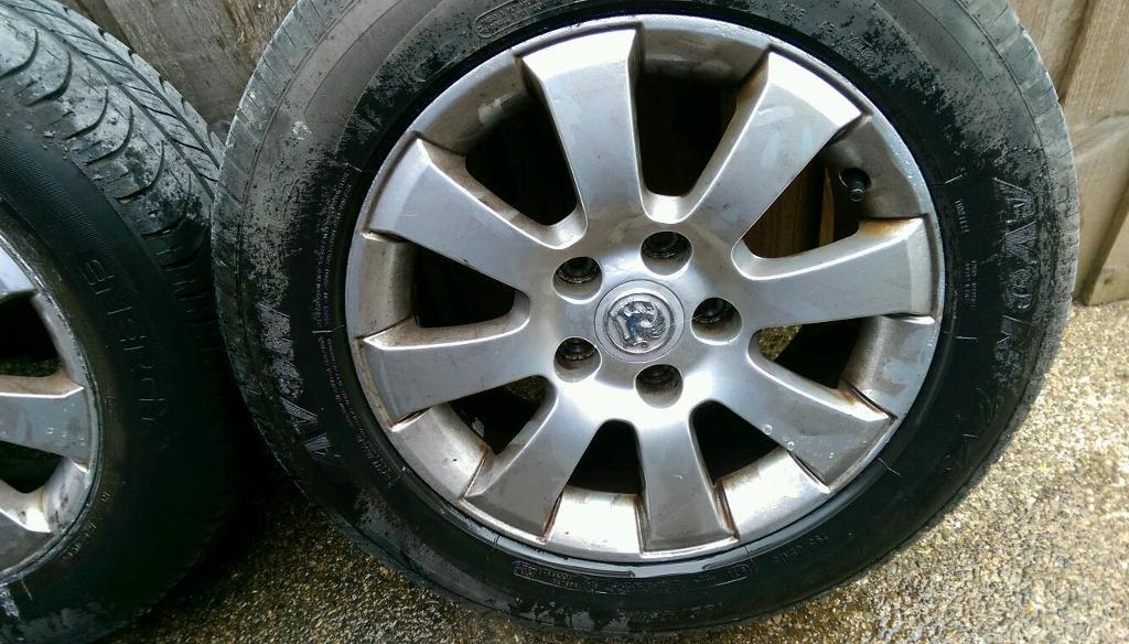 Vauxhall Astra alloy wheels and tyres 195 65 15