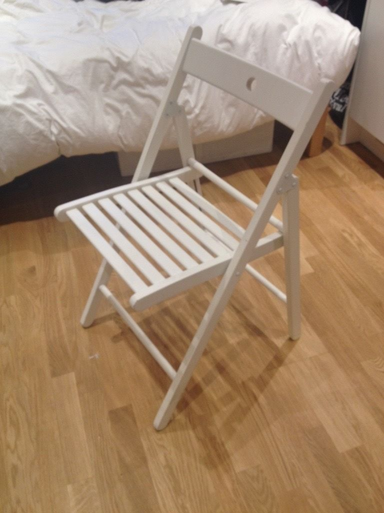 White foldable Ikea chair